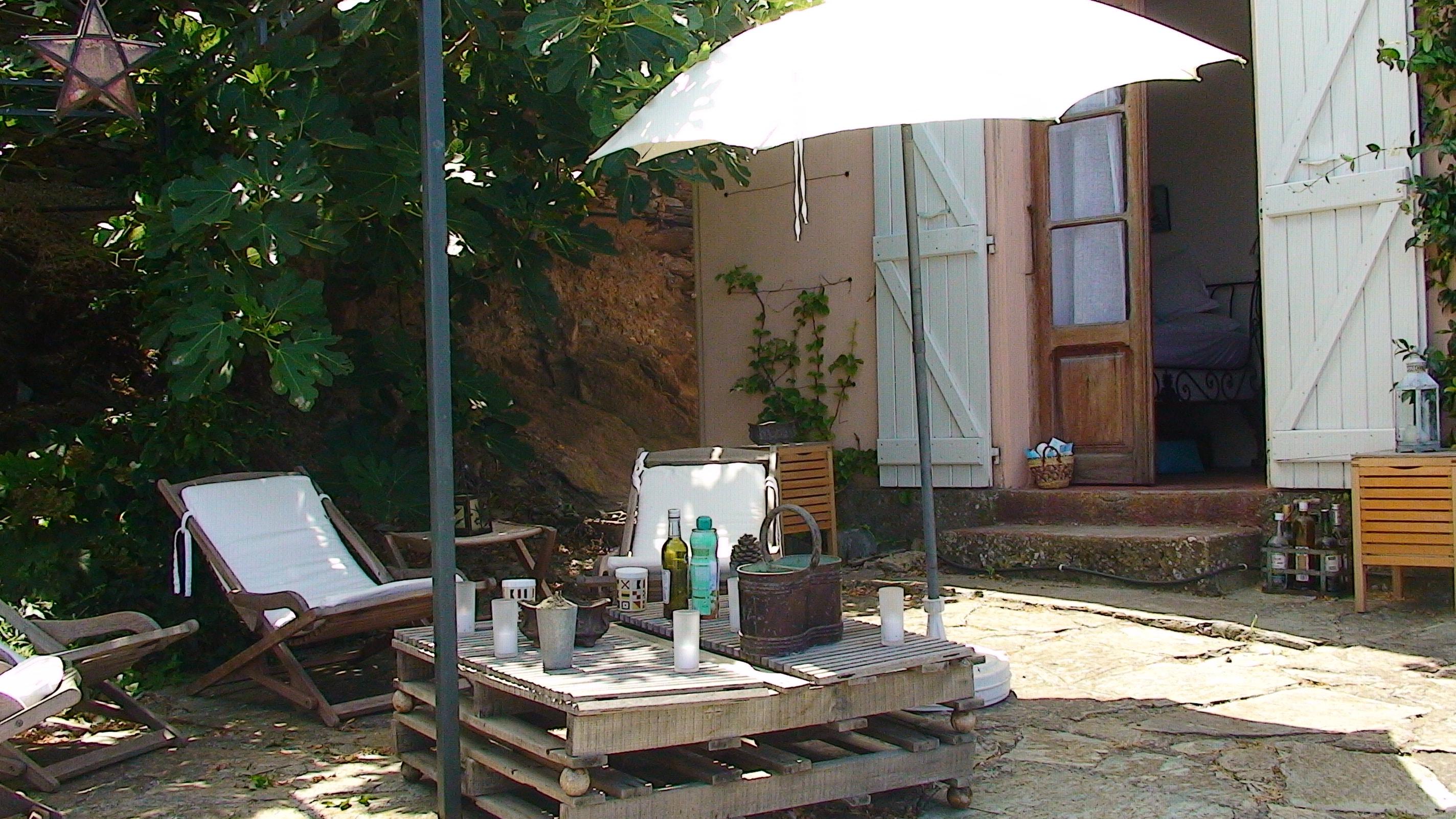 location de vacances a la marine de pino charmante maison avec vue poustouflante sur la mer. Black Bedroom Furniture Sets. Home Design Ideas